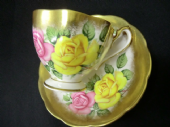 Beautiful 50's Queen Anne cabinet cup & saucer - Roses